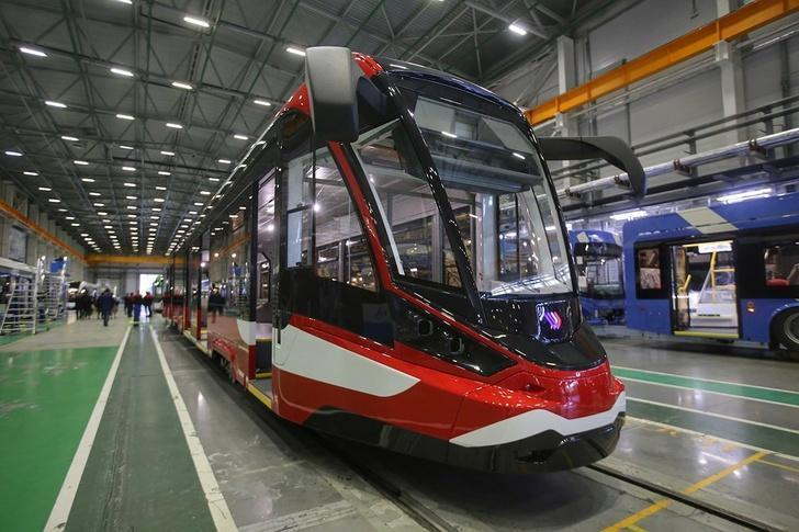 Представлен первый в России алюминиевый трамвай