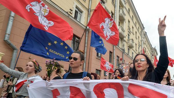 Санкции против Белоруссии потребовали распространить на россиян