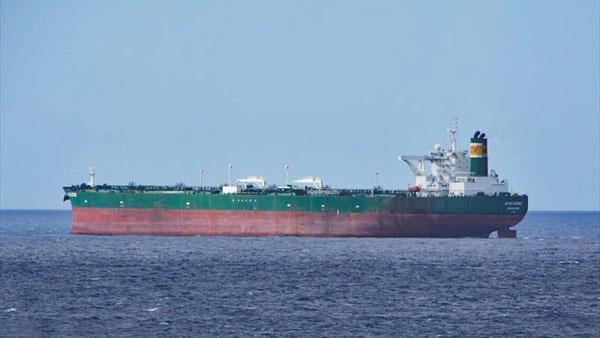 Новому супер-танкеру России пророчат неподвижное будущее