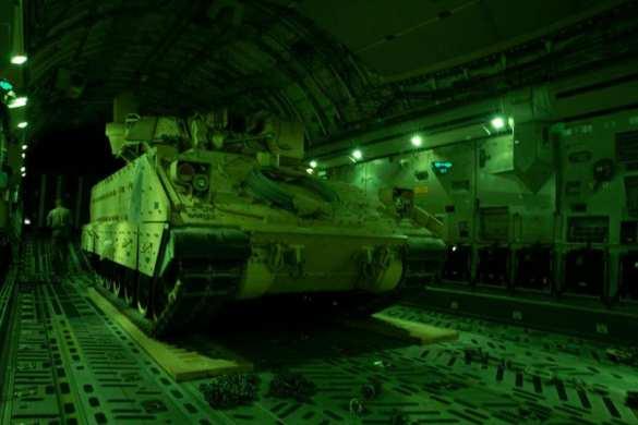 После столкновений с русской армией США срочно перебрасывают войска в Сирию | Русская весна
