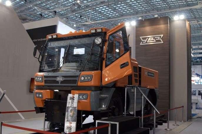 «Уралвагонзавод» представил новейшую разработку— многофункциональное транспортное средство ТМВ-2