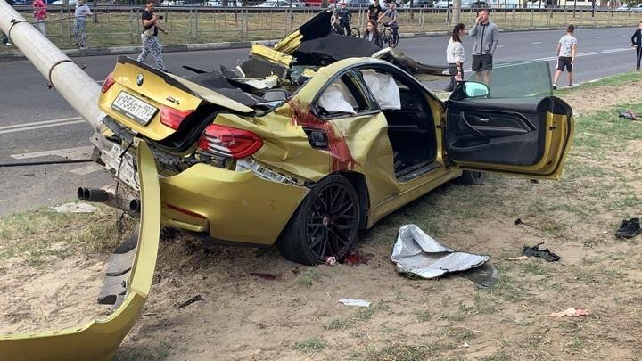 В Краснодаре выпендривание на золотом BMW закончилось глупой смертью трёх человек