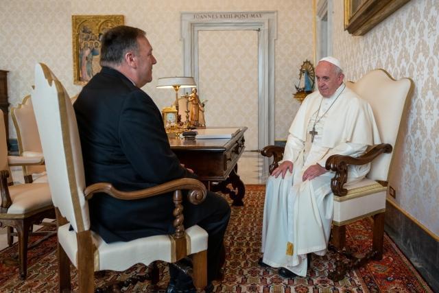 Майк Помпео и папа Римский Франциск на встрече в октябре 2019 года