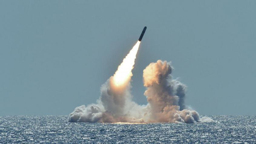 Испытательный запуск ракеты Trident II D5 с подводной лодки Небраска у побережья Калифорнии – РИА Новости, 1920, 20.09.2020